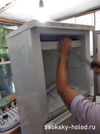 "Холодильник Стинол 118L, снятие крышки системы ""Ноу фрост"""